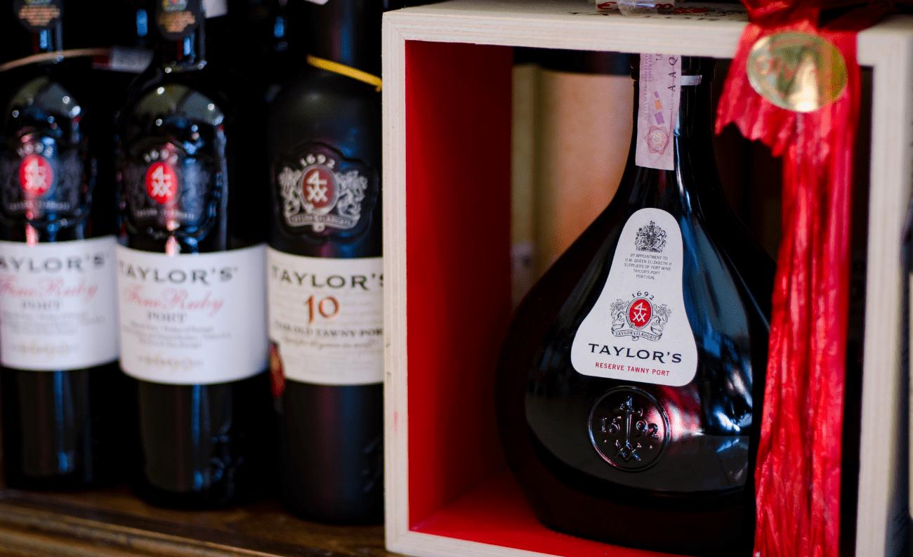 Taylor's vino liquoroso enoteca divino salento
