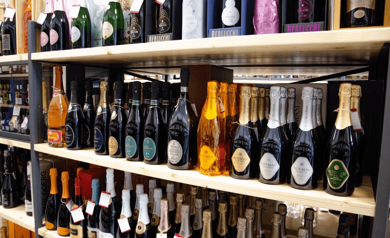 Spumante, prosecco, champagne enoteca divino
