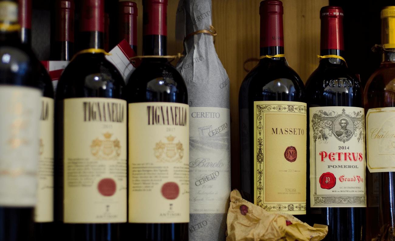 Vino rosso bottiglie rare
